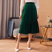 Zip Side Velvet Pleated Skirt