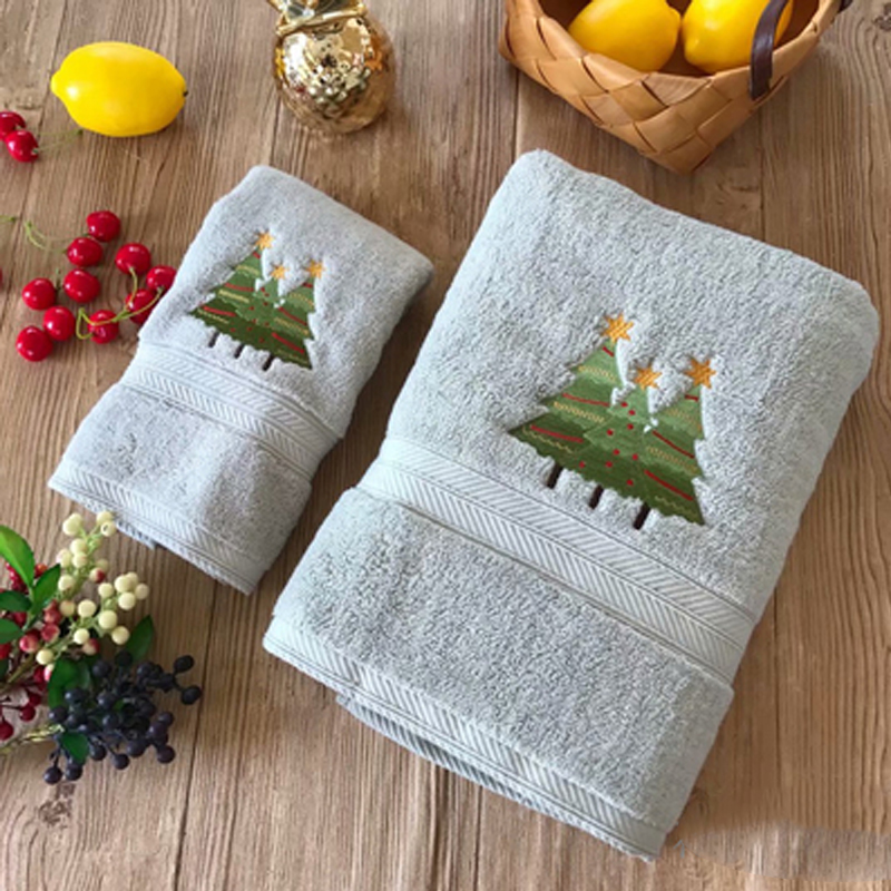 Simple Style Christmas Tree Bath Towel Set