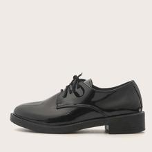 Lackleder Derby Schuhe