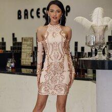 Eilly Bazar schulterfreies Kleid mit Pailletten