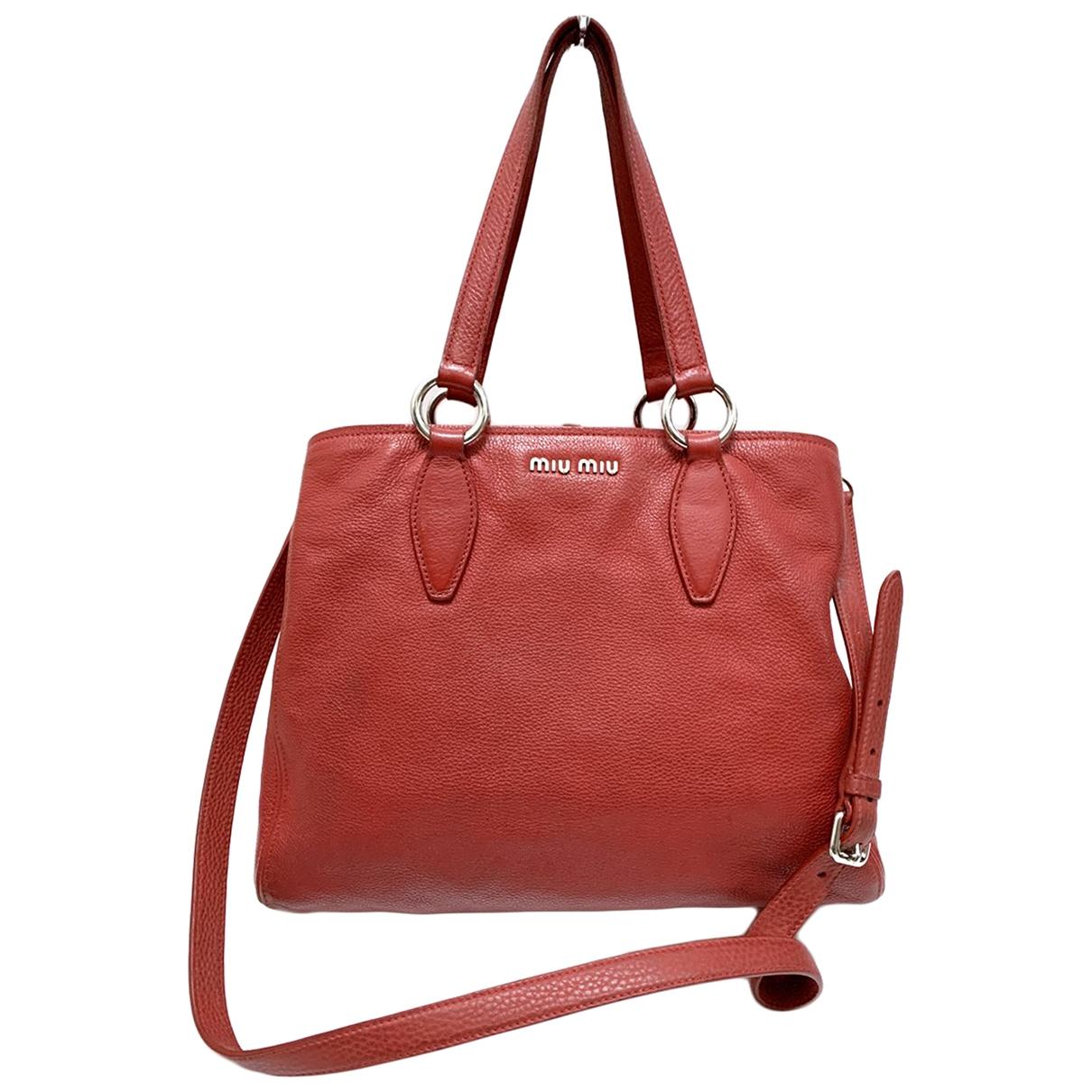Miu Miu \N Handtasche in  Rot Leder