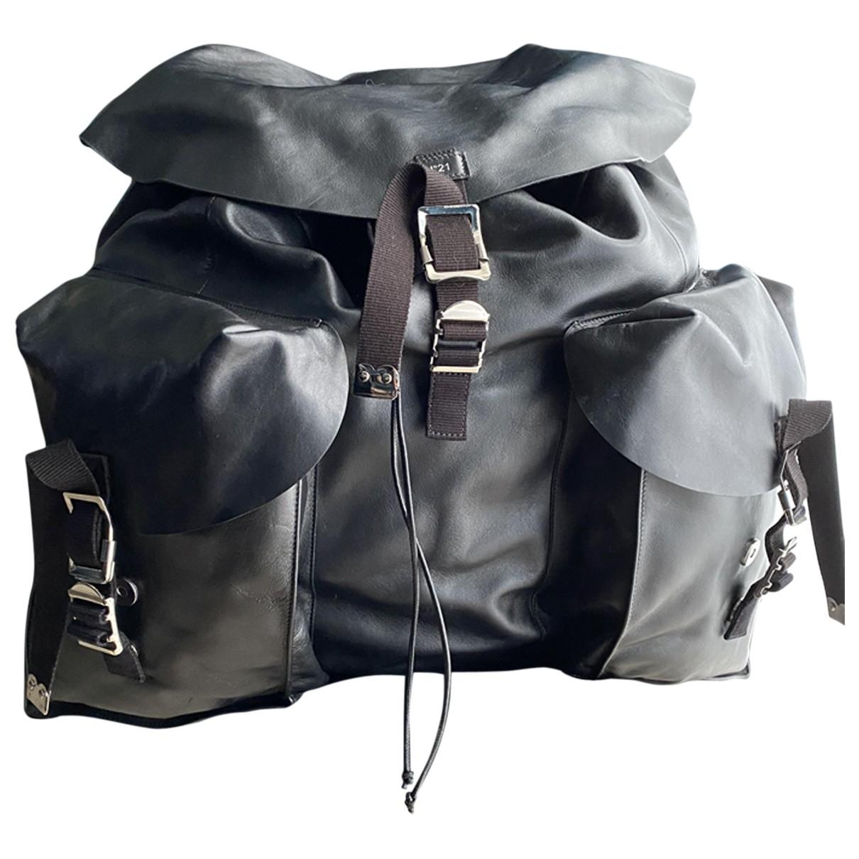 N°21 - Sac a dos   pour femme en cuir - noir