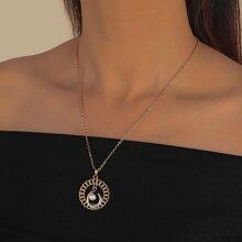 Halskette mit Kunstperlen Detail