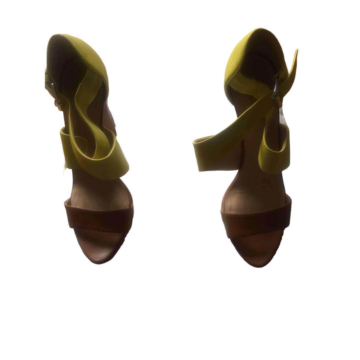 Longchamp - Sandales   pour femme en cuir - jaune
