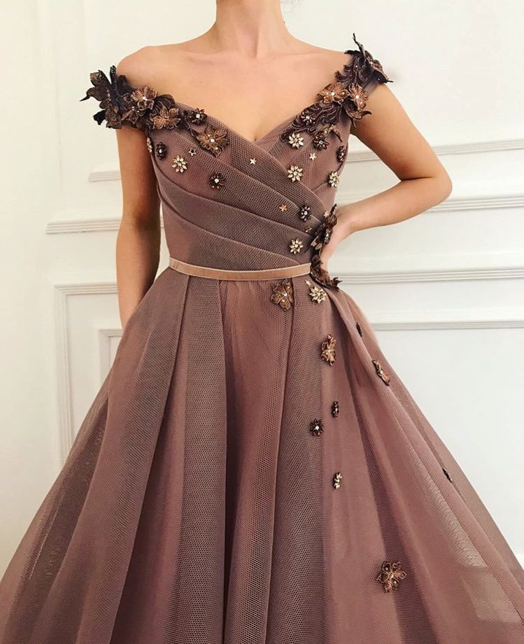 Stunning Brown Prom Dress   V-Neck Ball Gown Evening Gowns