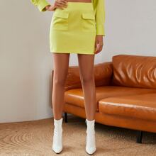 Double Crazy Patch Pocket Solid Skirt