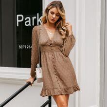 Kleid mit Punkten Muster, Knopfen vorn und Rueschen