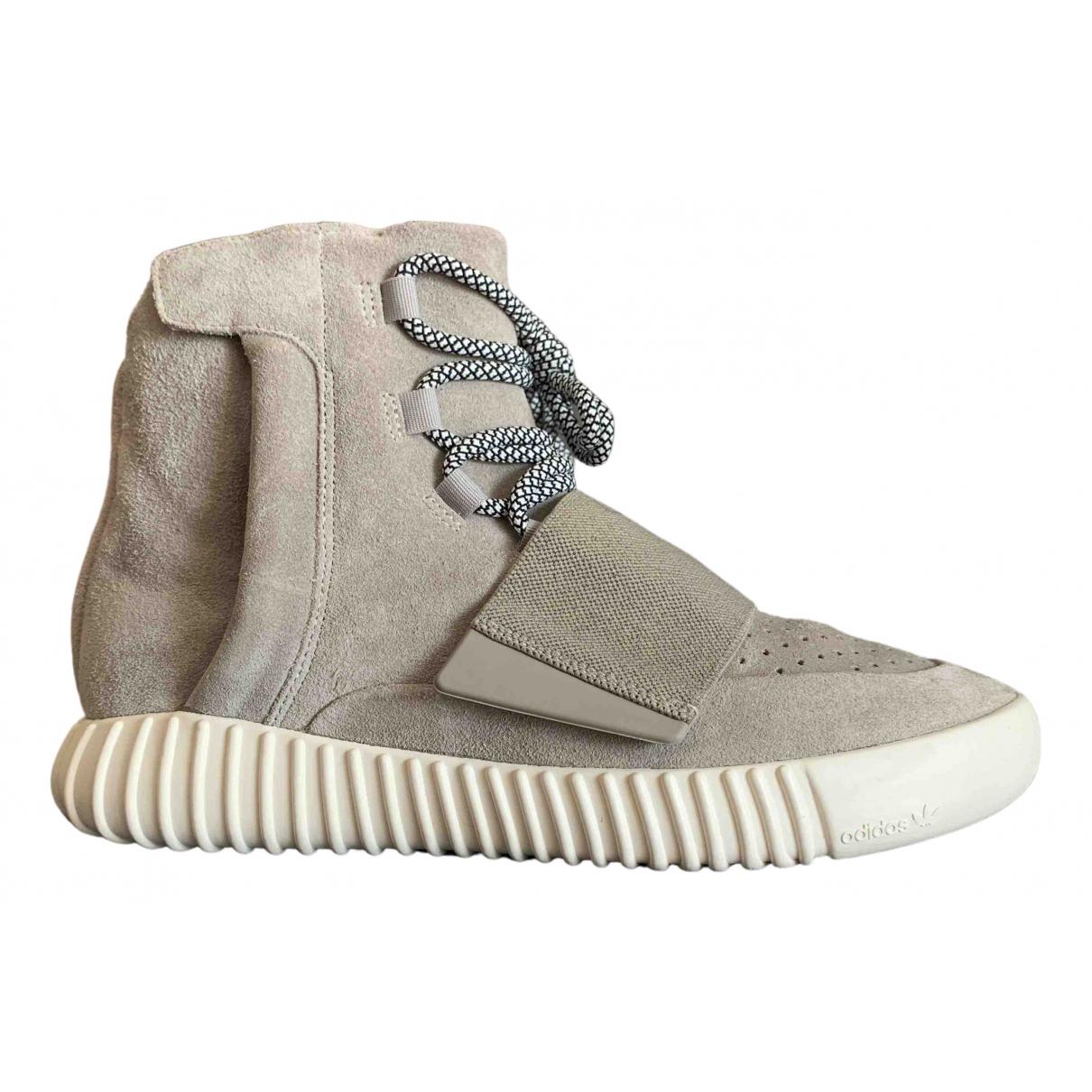 Yeezy X Adidas Boost 750  Sneakers in  Grau Veloursleder