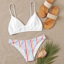 Dreieckiger Bikini Badeanzug mit buntem Streifen
