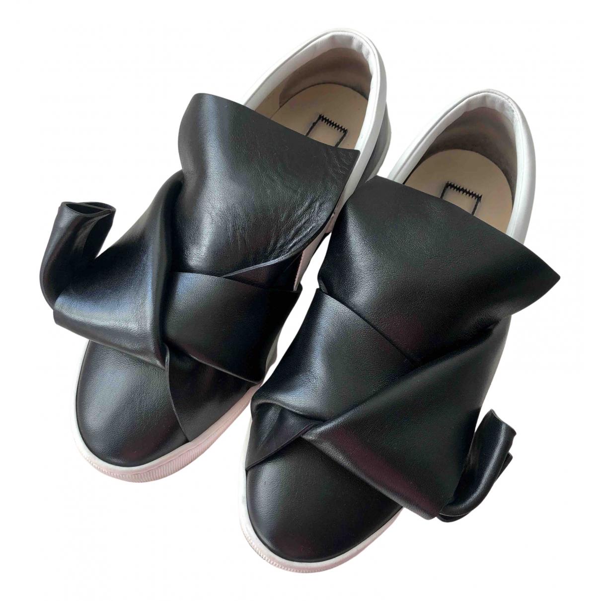 N°21 - Baskets   pour femme en cuir - noir