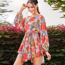 Kleid mit Lanternenaermeln, asymmetrischem Saum, Guertel und Blumen Muster