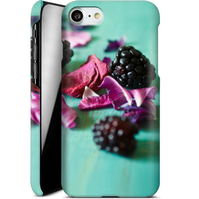 Apple iPhone 8 Smartphone Huelle - Stills Flowers Fruit von Joy StClaire