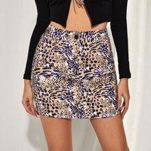 Falda de cintura con boton con estampado de animal mixto
