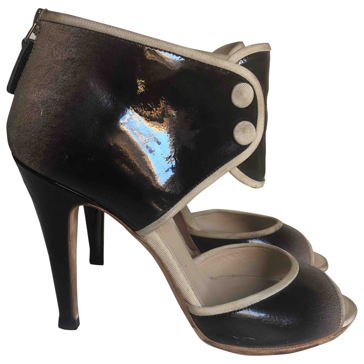 Chanel \N Grey Leather Sandals for Women 38 EU