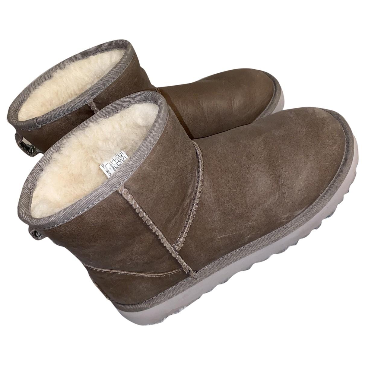 Ugg - Bottes   pour femme en cuir - marron