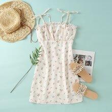Cami Kleid mit Band auf Schulter, Rueschenbesatz und Blumen Muster