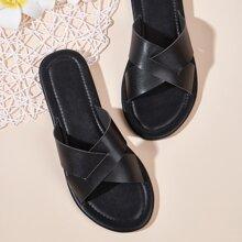 Sandalen mit Kreuzgurt