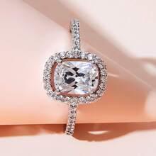 Anillo grabado con diamante de imitacion 1 pieza