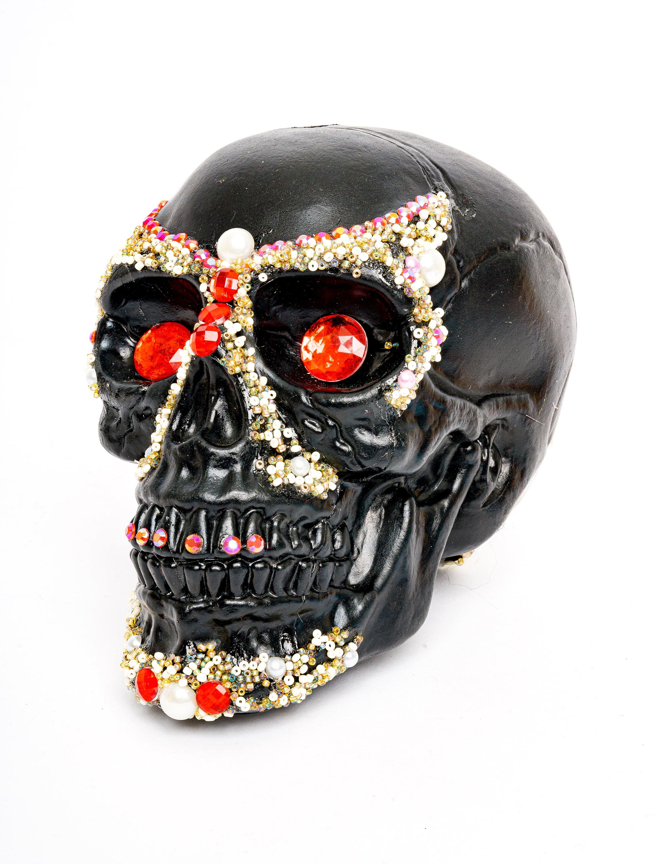 Skelett Schaedel mit Kristallen schwarz