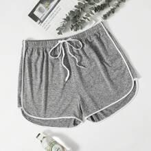 Shorts mit Kontrast Bindung und Band vorn