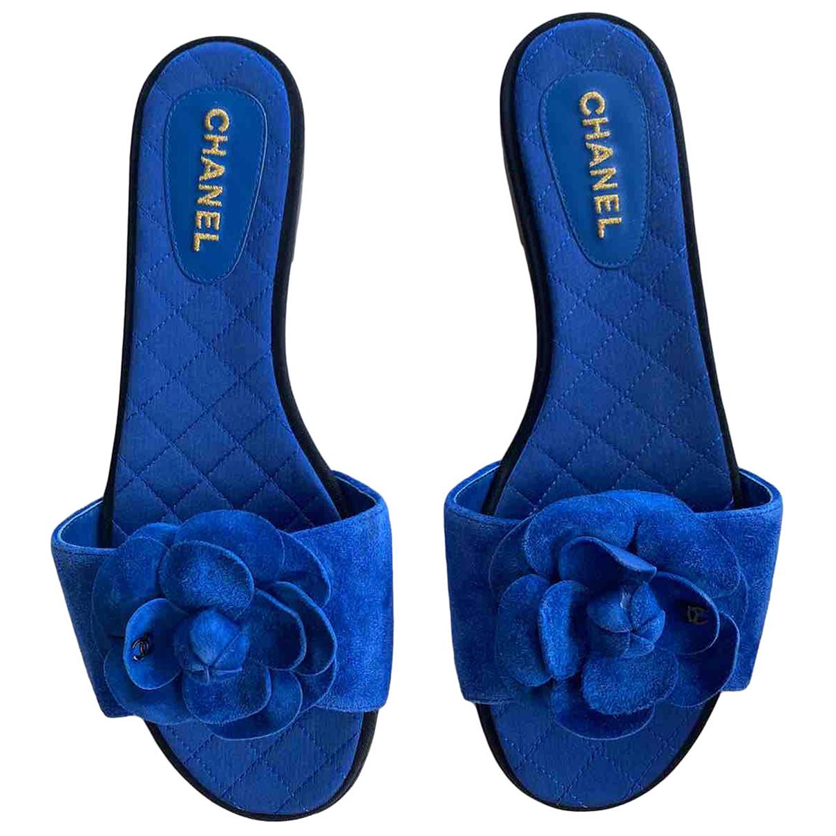 Chanel \N Sandalen in  Blau Veloursleder