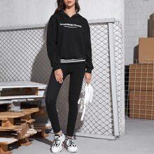 Conjunto capucha de rayas con letra con leggings