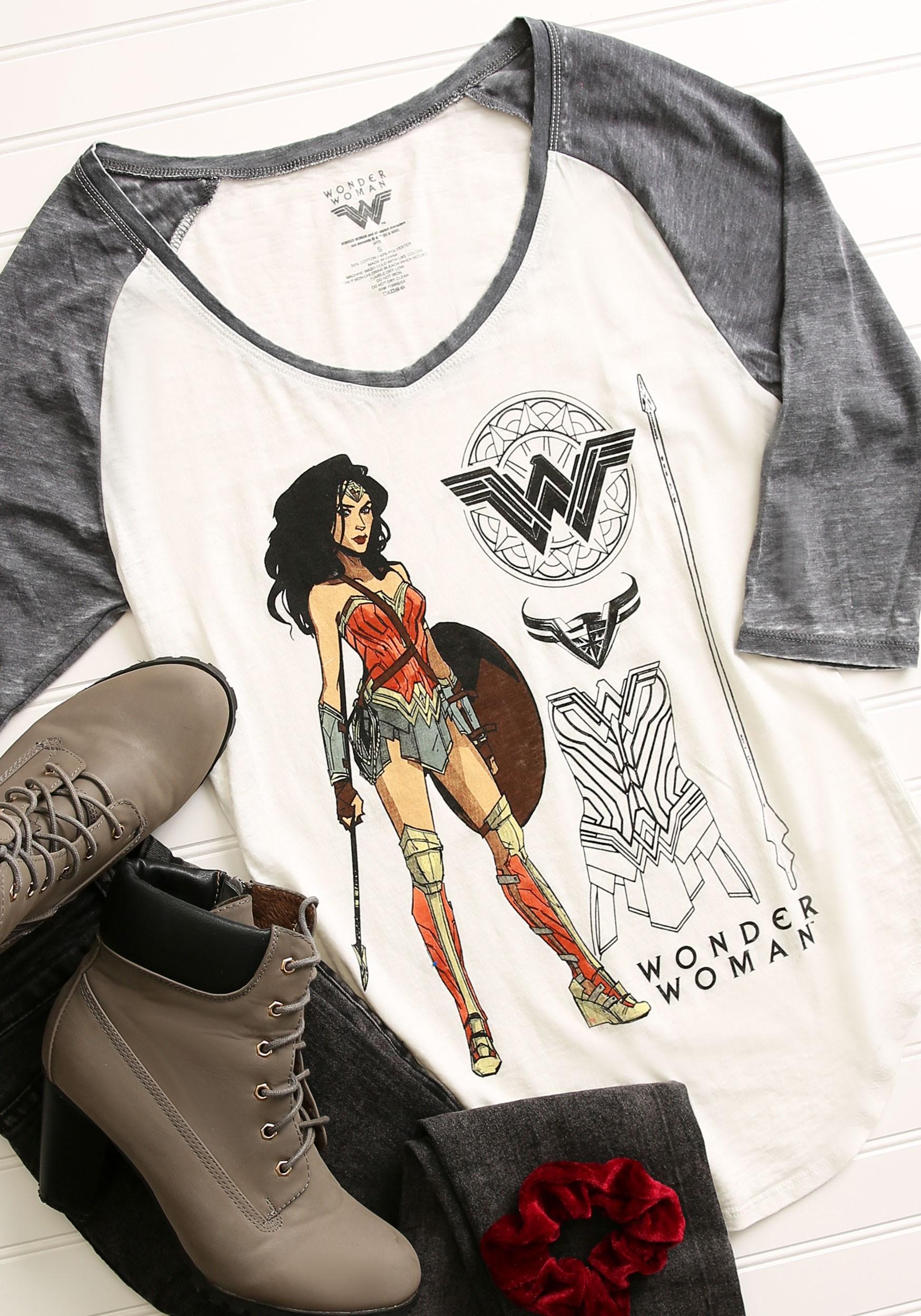 Wonder Woman Posed Heather V-Neck Raglan Shirt