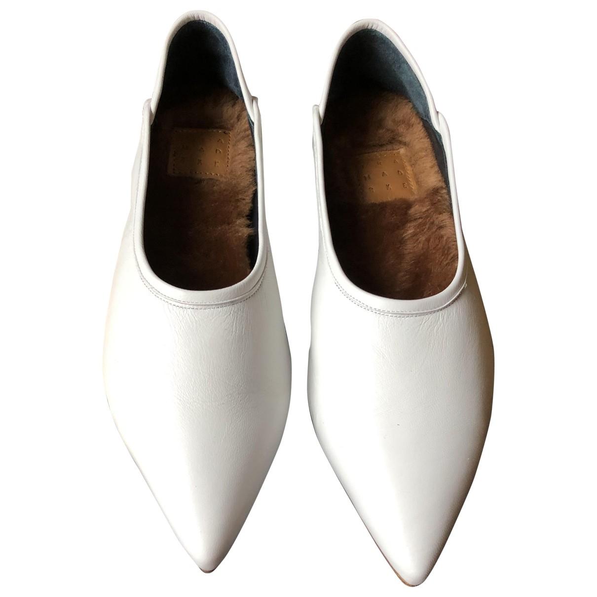 Trademark \N Ballerinas in  Weiss Leder