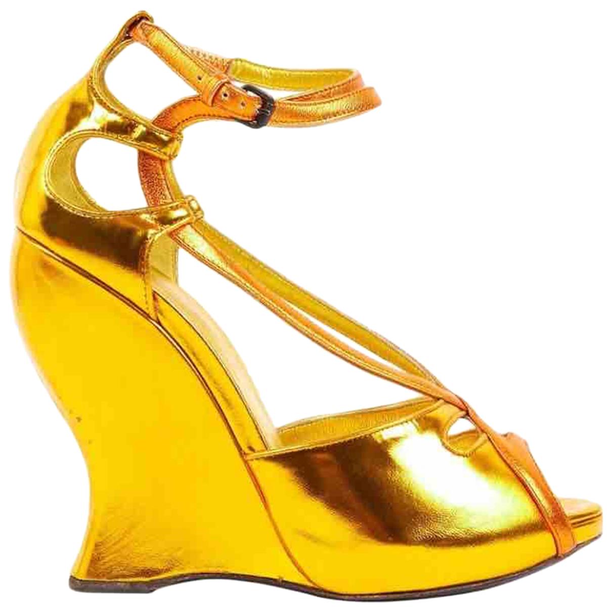 Bottega Veneta \N Sandalen in  Gelb Leder