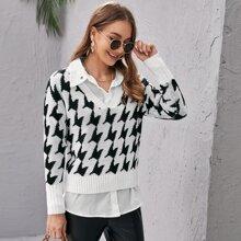 Pullover mit sehr tief angesetzter Schulterpartie, V Kragen und Hahnentritt Muster ohne Bluse