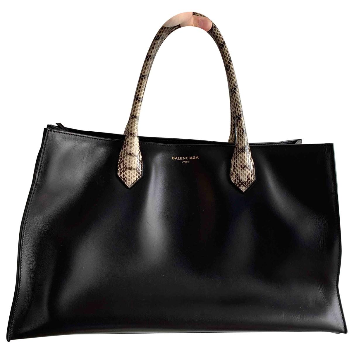 Balenciaga Padlock Handtasche in  Schwarz Leder