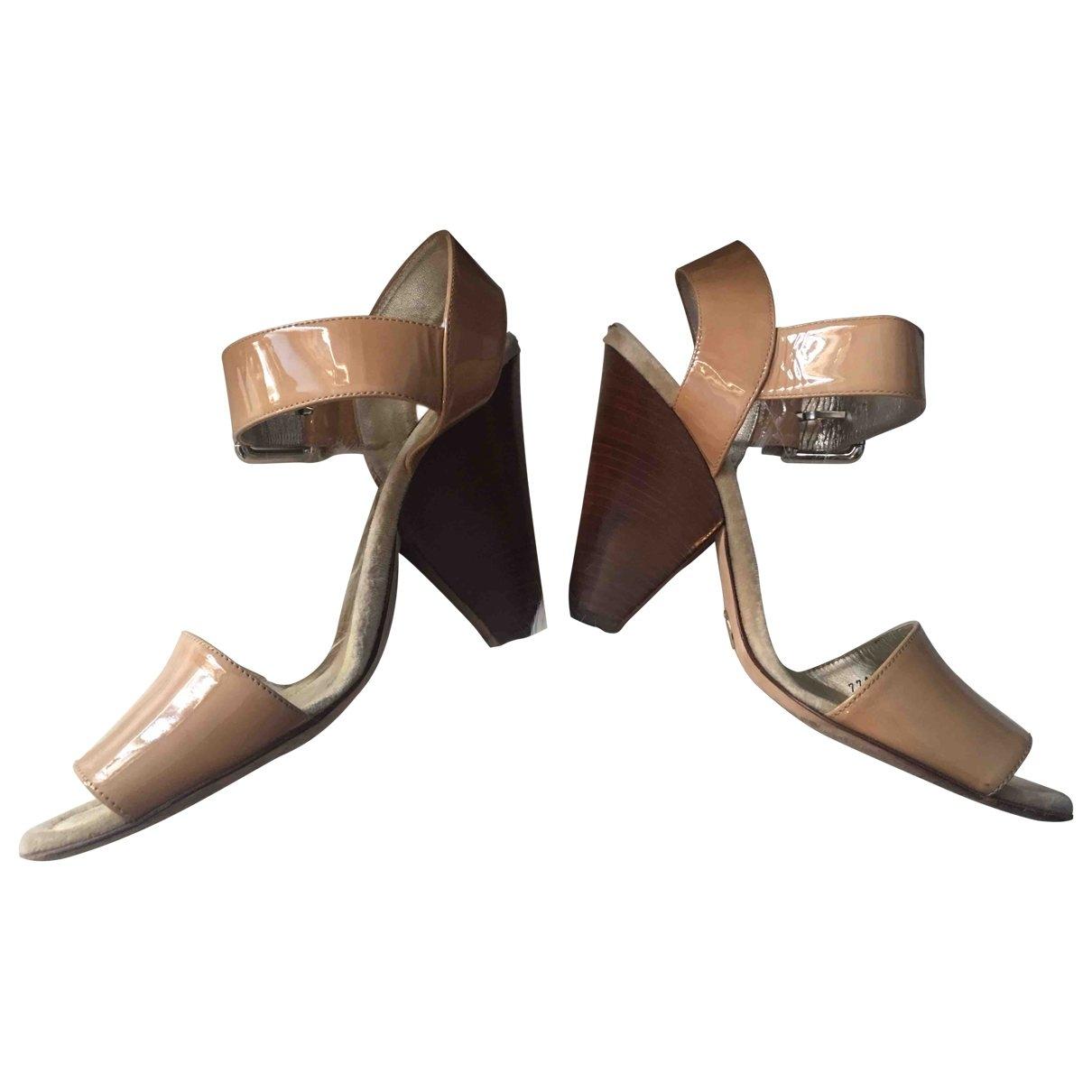 Dolce & Gabbana \N Beige Patent leather Sandals for Women 39 EU