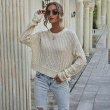 Pullover mit Zopfmuster und sehr tief angesetzter Schulterpartie