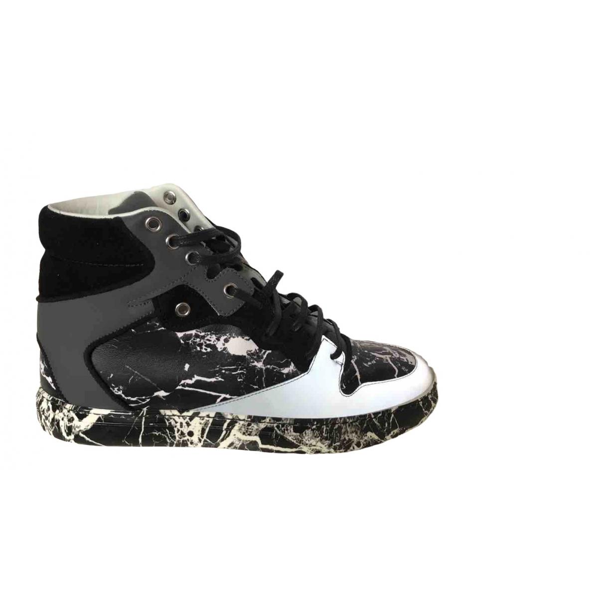 Balenciaga \N Sneakers in  Bunt Leder