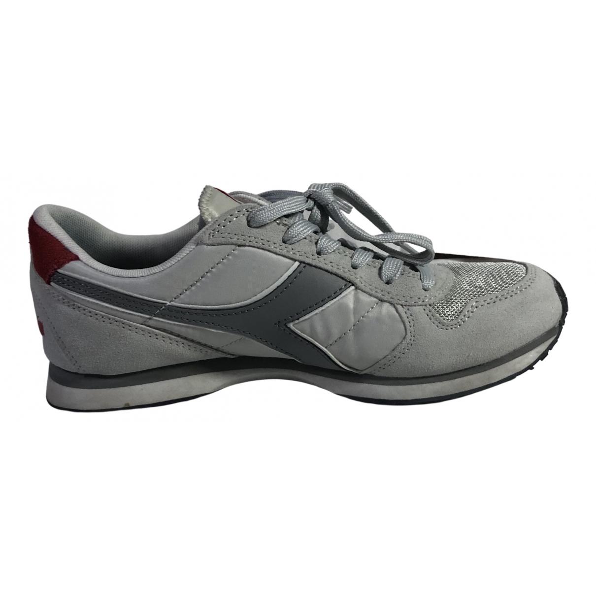 Diadora \N Sneakers in  Grau Leinen