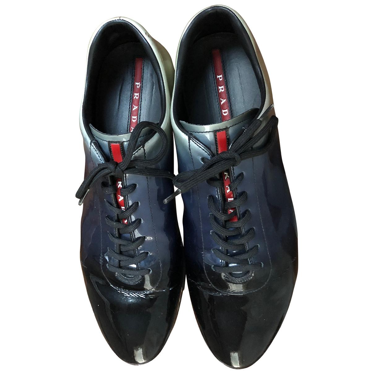 Prada \N Sneakers in  Bunt Lackleder