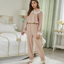 Schlafanzug Set mit Puppe Kragen und Spitzenbesatz