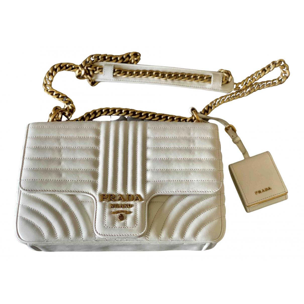Prada Diagramme Handtasche in  Ecru Leder