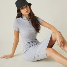 Figurbetontes Kleid mit halber Reissverschlussleiste