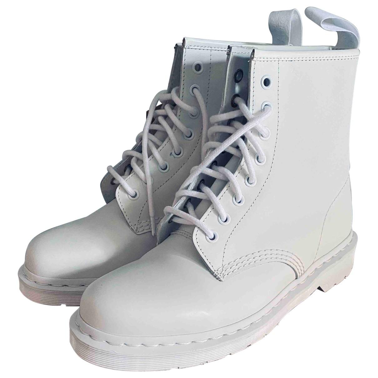 Dr. Martens - Boots 1460 Pascal (8 eye) pour femme en cuir - blanc