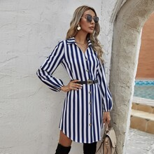 Kleid mit Streifen Muster, Knopfen vorn und Guertel