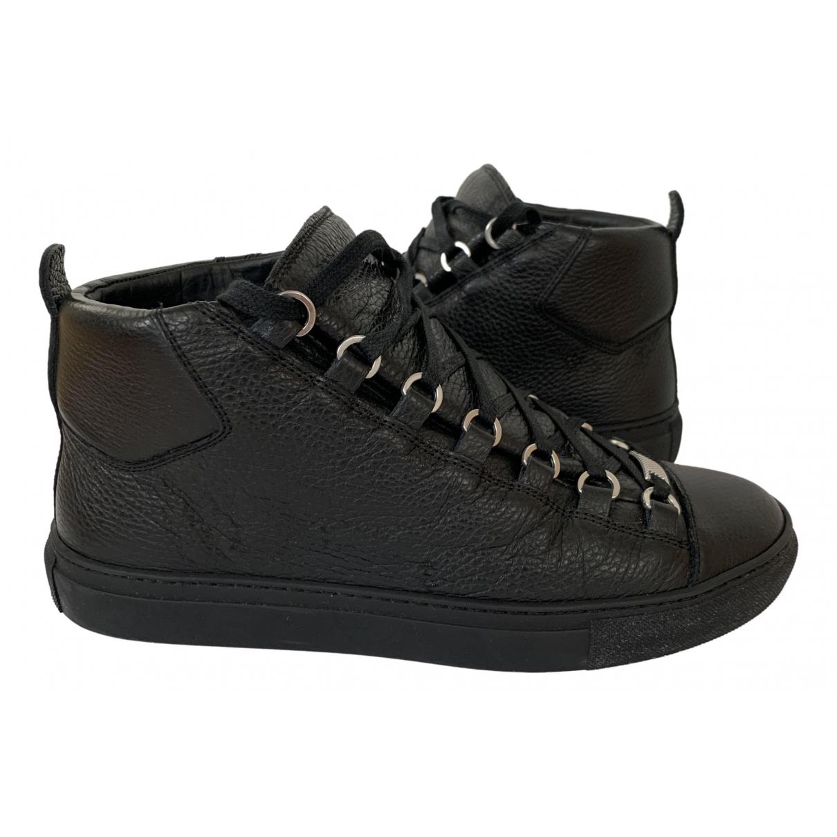 Balenciaga Arena Sneakers in  Marine Leder
