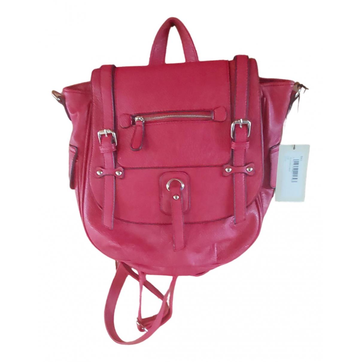 Essentiel Antwerp \N Handtasche in  Rot Leder