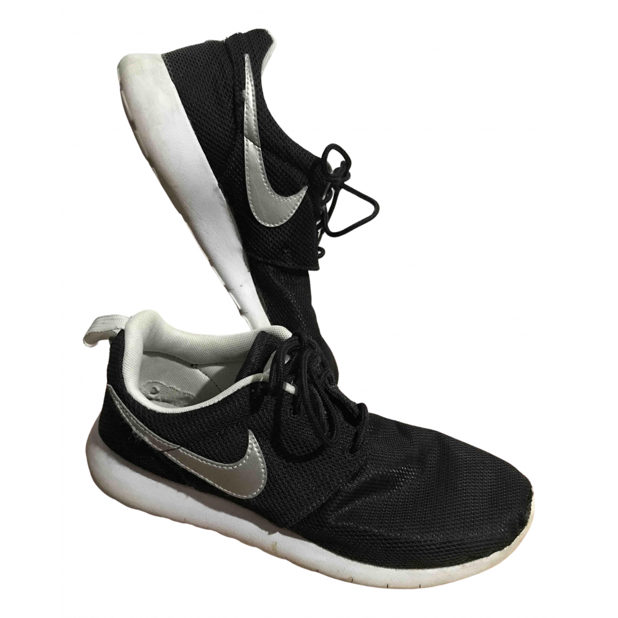 Nike Roshe Run Sneakers in  Schwarz Leinen