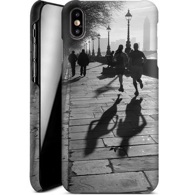 Apple iPhone XS Max Smartphone Huelle - Walk If You Must von Ronya Galka