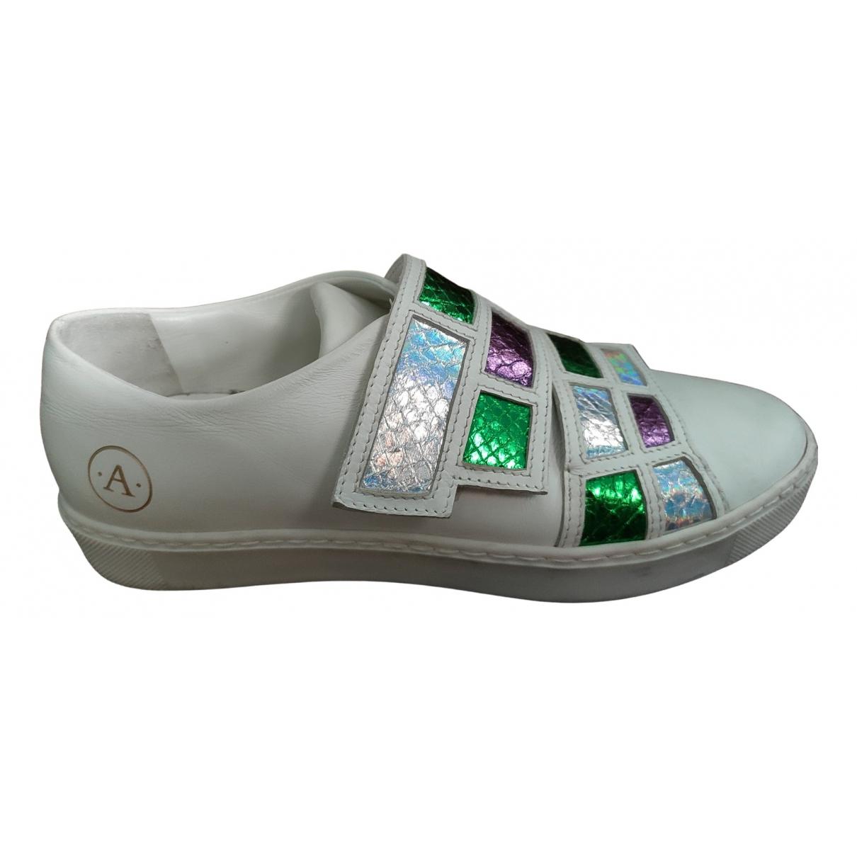 Aperlai \N Sneakers in  Weiss Leder