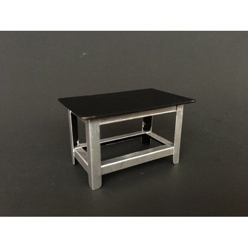 Metal Work Bench For 124 Scale Models by American Diorama