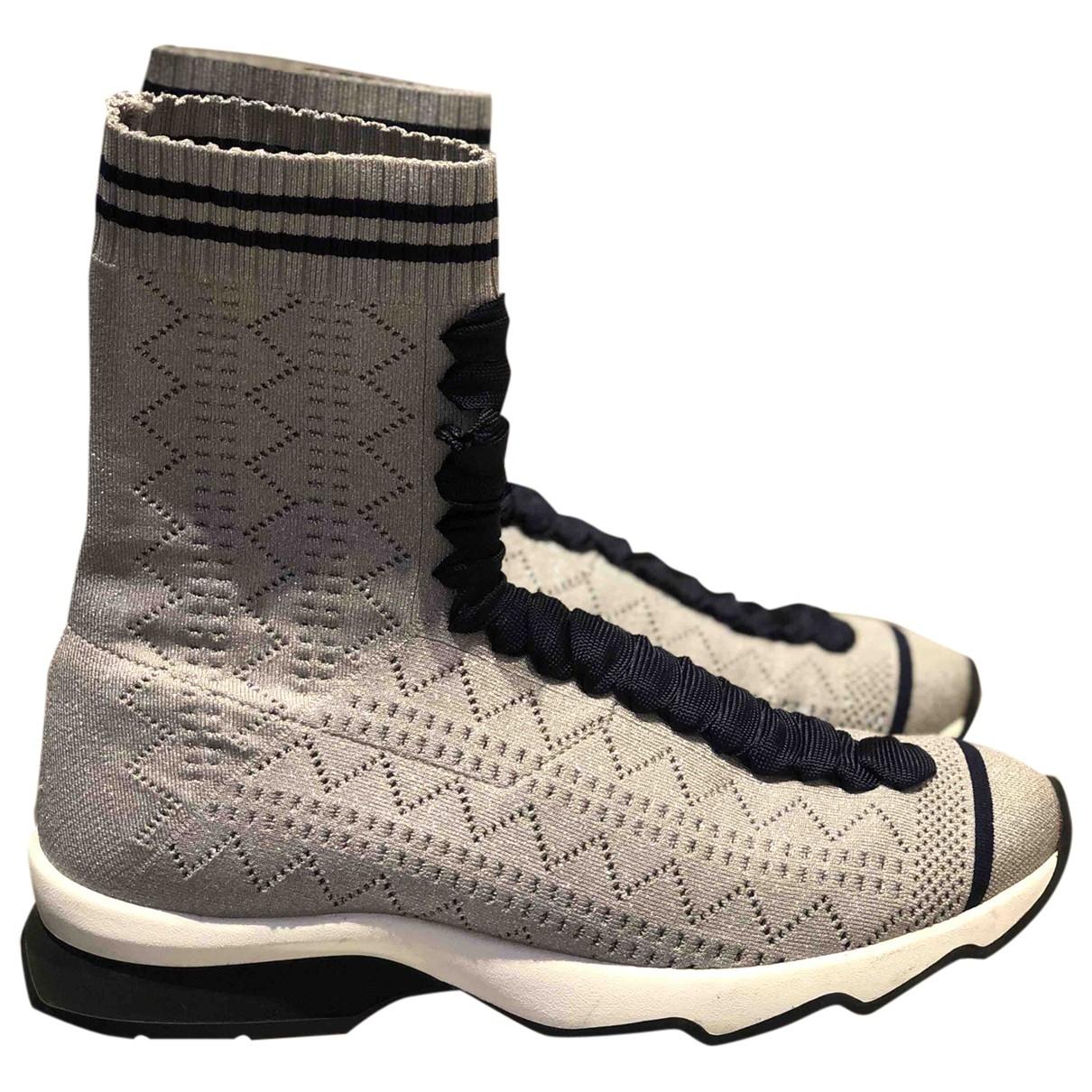Fendi \N Sneakers in  Grau Leinen