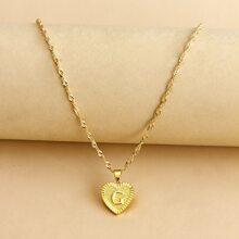 Halskette mit Buchstaben Design und Herzen Anhaenger