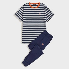 Men Deer Print Striped Top & Pants PJ Set